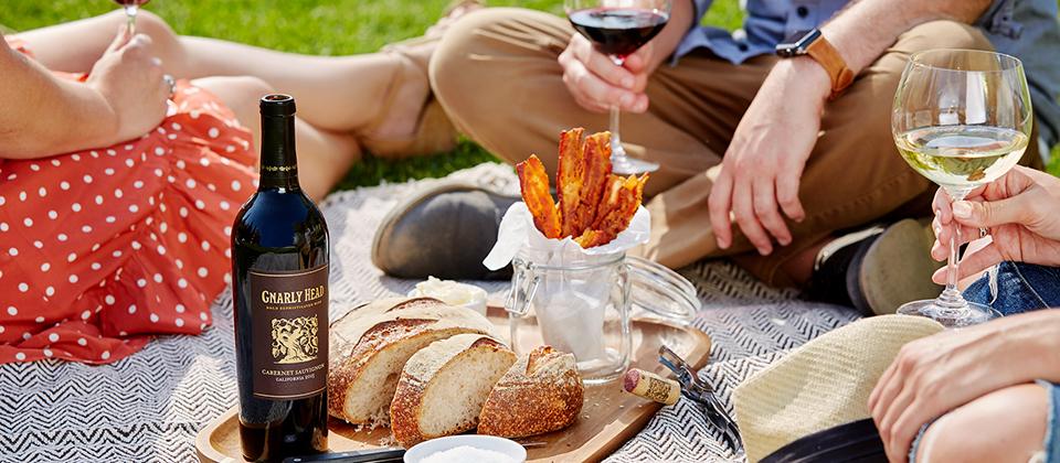 Picnic-Lifestyle-Shot_picnic_season